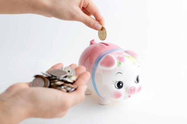 豚の貯金箱で貯金。