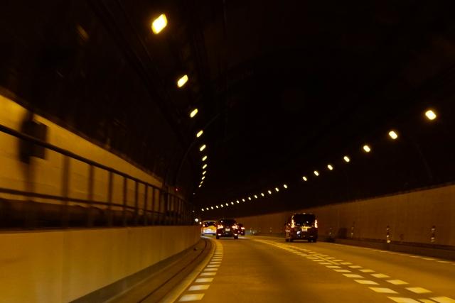 高速道路の夜間割引で帰省。