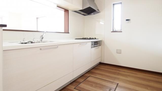 新築の高級マンションのキッチン