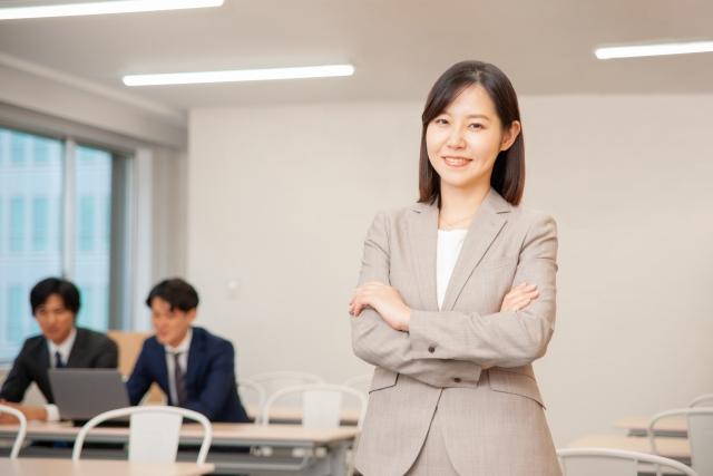 ビジネスで働く女性。